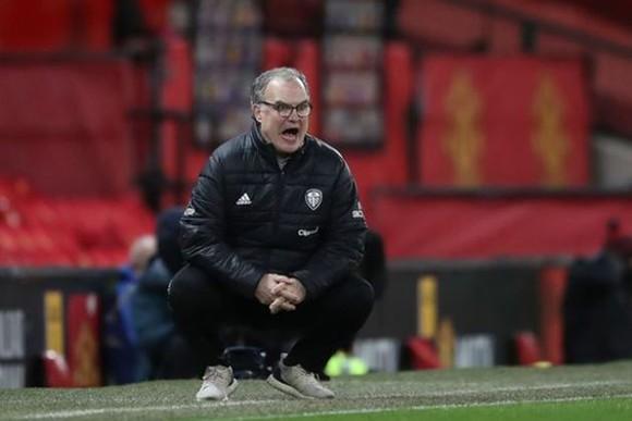 HLV Bielsa kêu gọi bình tĩnh khi chào đón Man United đến Elland Road ảnh 1
