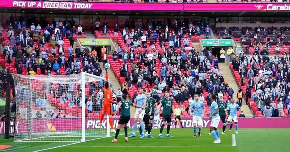 Aymeric Laporte nhấn chìm Tottenham, giúp Man City đăng quang League Cup 4 mùa liên tiếp ảnh 1