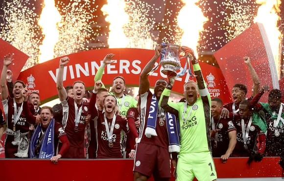 Tielemans nhấn chìm Chelsea, giúp Leicester City lần đầu thắng cúp FA