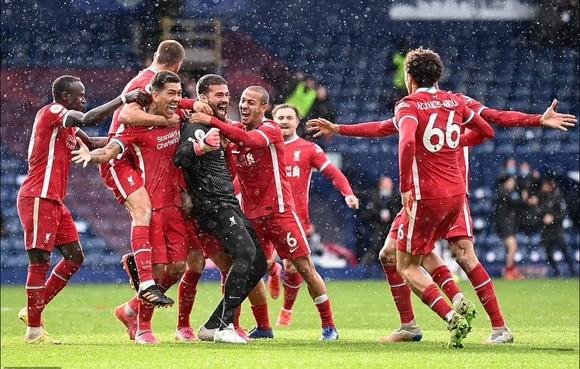 Niềm vui chiến thắng của Liverpool sau bàn thắng kỳ diệu của Alisson