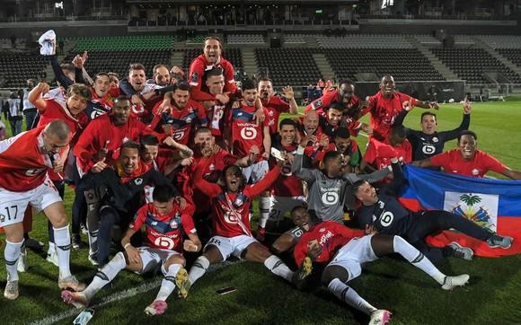 Lille ăn mừng danh hiệu vô địch sau 10 năm