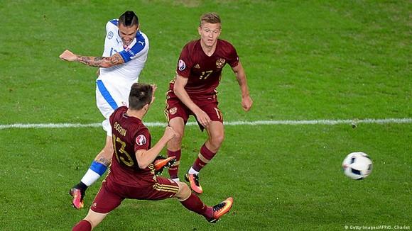 Marek Hamsik giúp Slovakia quật ngã tuyển Nga