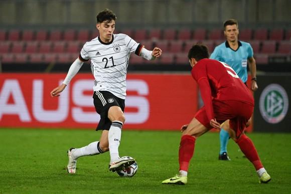 Phil Foden dẫn đầu tốp 5 ngôi sao trẻ sẽ tỏa sáng ở Euro 2020 ảnh 6