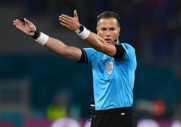 Điều luật mới ở EURO 2020: Bóng vô tình chạm tay sẽ không bị phạt đền  ảnh 2
