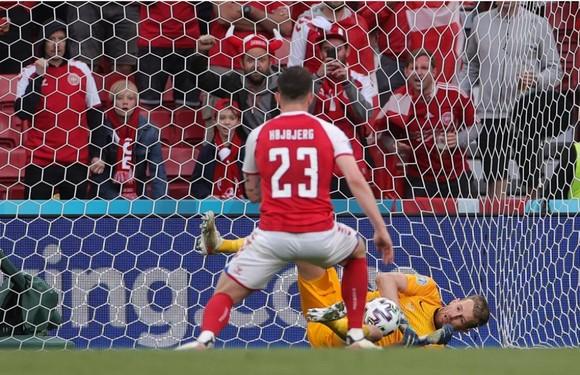 Đan Mạch – Phần Lan 0-1: Hjobjerg sút hỏng phạt đền, chủ nhà bất ngờ thua trận ảnh 4