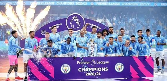 Manchester City đăng quang mùa giải 2020-2021