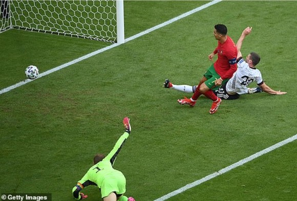 Bồ Đào Nha – Đức 2-4: Ronaldo ghi bàn nhưng Xe tăng Đức đè bẹp Bồ Đào Nha ảnh 2