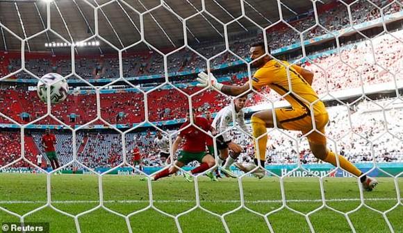 Bồ Đào Nha – Đức 2-4: Ronaldo ghi bàn nhưng Xe tăng Đức đè bẹp Bồ Đào Nha ảnh 3