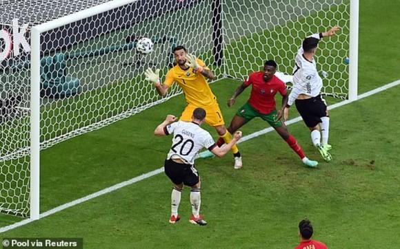 Bồ Đào Nha – Đức 2-4: Ronaldo ghi bàn nhưng Xe tăng Đức đè bẹp Bồ Đào Nha ảnh 6