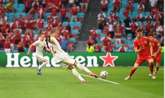 Xứ Wales – Đan Mạch 0-4, Kasper Dolberg viết tiếp giấc mơ cùa Lính chì ảnh 4