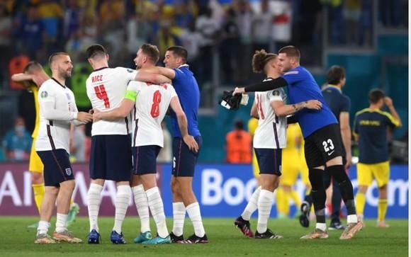 Giấc mơ vinh quang - Nước Anh sục sôi trước trận bán kết với Đan Mạch ảnh 2