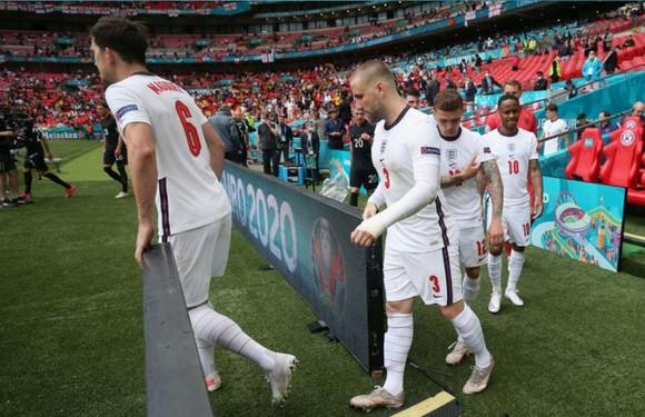 Tuyển Anh đang làm đảo quốc sục sôi bầu không khí bóng đá
