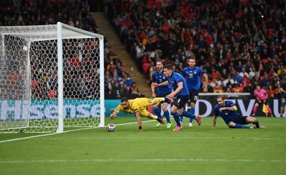 Italia – Tây Ban Nha 1-1 (4-2 luân lưu) Morata từ người hùng thành tội đồ, chân sáo Jorginho đưa Azzurri vào chung kết ảnh 5