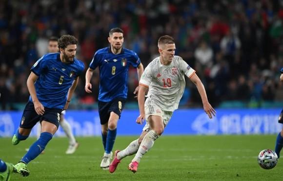Italia – Tây Ban Nha 1-1 (4-2 luân lưu) Morata từ người hùng thành tội đồ, chân sáo Jorginho đưa Azzurri vào chung kết ảnh 1