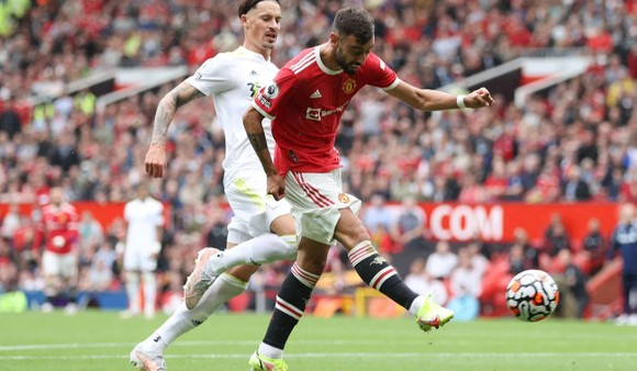 Man United - Leeds United 5-1: Bruno Fernandes ghi hat-trick, Pogba lập poker kiến tạo ảnh 6