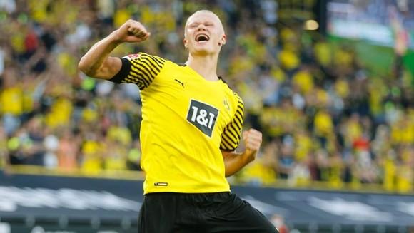Erling Haaland vẫn đang tỏa sáng ở Dortmund