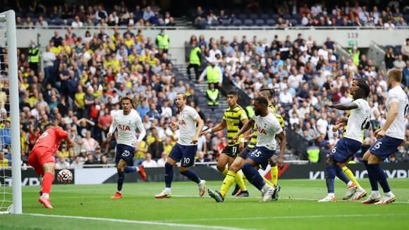 Tottenham – Watford 1-0: Harry Kane trở lại nhưng Son Heung-min mới là người hùng ảnh 3