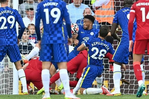 Liverpool – Chelsea 1-1, Kai Havertz mở điểm, Salah gỡ hòa trước 10 cầu thủ The Blues ảnh 2