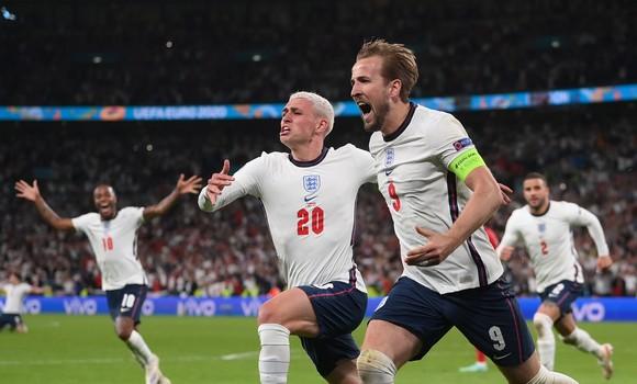 Southgate kêu gọi Tam sư rút ra bài học từ nỗi thất vọng Euro 2020 ảnh 2