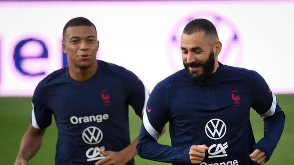 Mbappe chấn thương nên Karim Benzema sẽ đá cao nhất trong đội hình 4-2-3-1