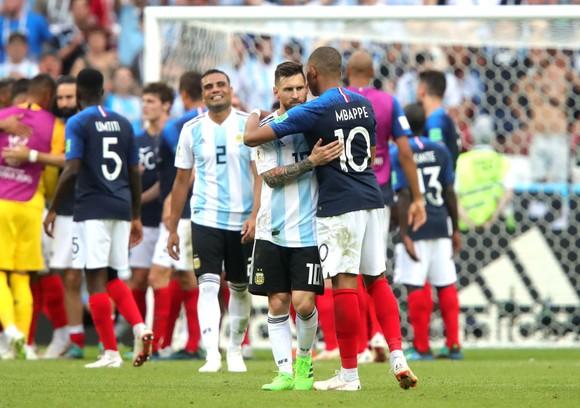 Kylian Mbappe và Lionel Messi sẽ cạnh tranh cơ hội ghi bàn ở PSG