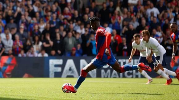 Crystal Palace – Tottenham 3-0: Đại bàng nuốt chửng Gà trống ảnh 2
