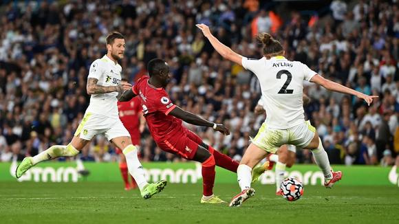Salah ghi bàn thứ 100 Premier League khi Liverpool đè bẹp Leeds United ảnh 3