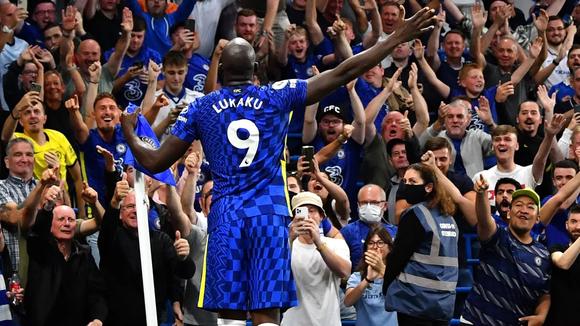 Romelu Lukaku gây ấn tượng cực mạnh ở Stamford Bridge
