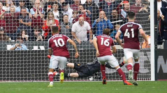 West Ham – Man United 1-2: Ronaldo mở điểm, Lingard khóa đuôi, nhưng De Gea  mới là người hùng ảnh 5