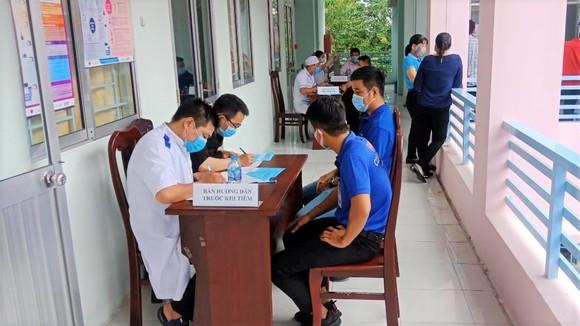 Saigon Co.op căng mình đảm bảo tốt phòng tuyến lương thực, thực phẩm cho người dân TPHCM ảnh 2