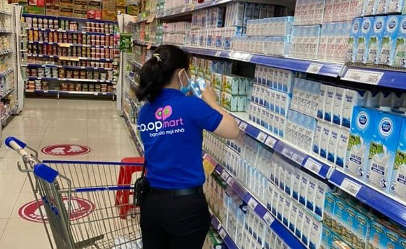 Một số Co.opmart áp dụng cách mua sắm an toàn mới, hạn chế tối đa lây nhiễm tại siêu thị ảnh 2