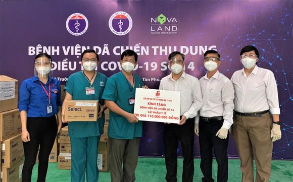 Saigon Co.op trao tặng vật phẩm y tế cho tuyến đầu chống dịch ảnh 1