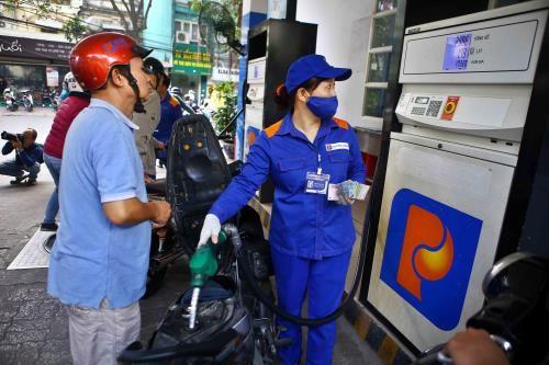 Tăng thuế môi trường xăng, dầu giúp tăng thu ngân sách