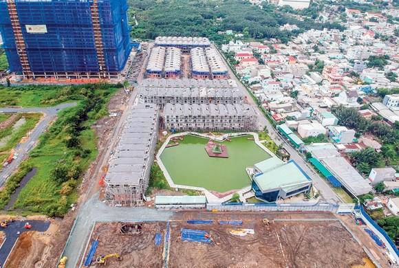 Dự án của CTCP Đầu tư BĐS Hưng Lộc Phát bị đình chỉ thi công cũng do vướng vào đất xen cài.