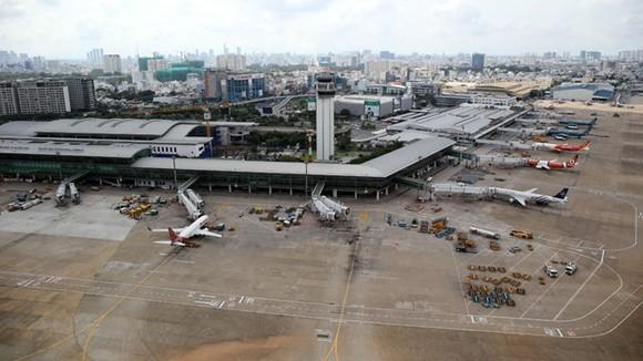 Sân bay Tân Sơn Nhất với 2 nhà ga T1 và T2 hiện có dấu hiệu quá tải