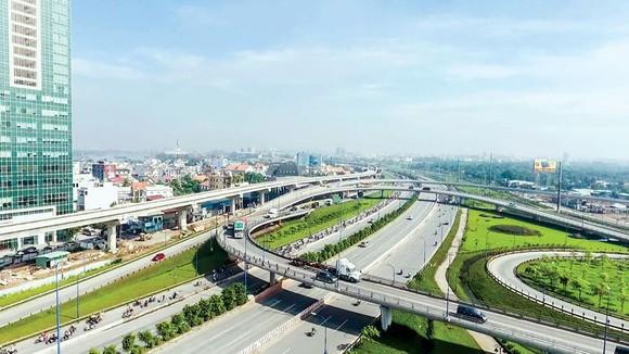 Hạ tầng giao thông kết nối trung tâm ra khu Đông TPHCM.