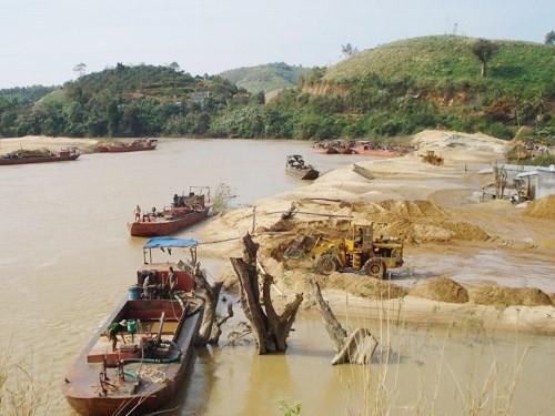 Xử lý tình trạng khai thác cát trái phép trên vùng biển Cần Giờ
