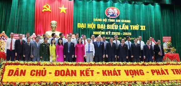Các đại biểu tham dự phiên họp trù bị vào chiều 23-8