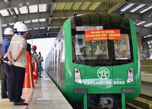 Đường sắt đô thị tuyến Cát Linh-Hà Đông sẽ bắt đầu vận hành thử toàn bộ hệ thống trong tuần đầu tháng 12/2020, thời gian vận hành 20 ngày. Ảnh: VGP/Đoàn Bắc.