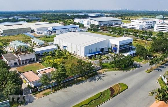 Thí điểm thành lập các khu công nghiệp điện tử