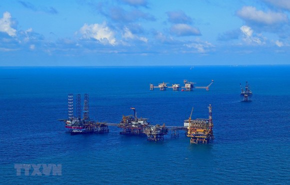 Cơ hội đầu tư khi ngành dầu khí trong nước gặp khó