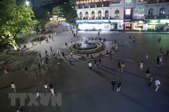Khu vực Quảng trường Đông Kinh Nghĩa Thục trong phố đi bộ. (Ảnh: Tuấn Đức/TTXVN)