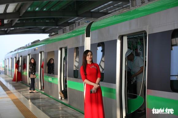 Đường sắt đô thị Cát Linh - Hà Đông được vận hành thử trong nhiều ngày qua nhưng chưa thể chính thức vận hành - Ảnh: TUẤN PHÙNG