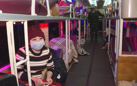 Sở Giao thông vận tải tỉnh Quảng Ninh thông báo dừng toàn bộ hoạt động vận tải khách - Ảnh: T.THẮNG