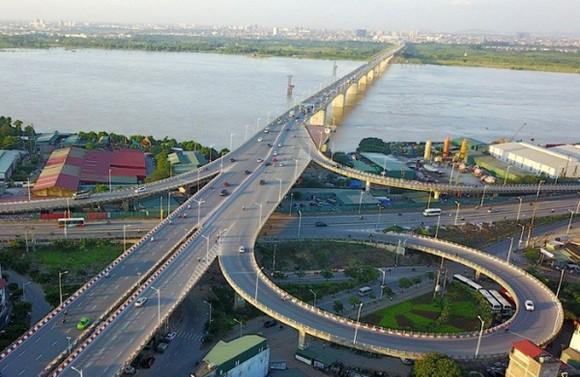 Đầu tư công được xem là lực đẩy quan trọng của tăng trưởng kinh tế Việt Nam trong giai đoạn hiện nay. (Ảnh minh họa: KT)