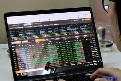 Nhà đầu tư làm gì sau khi VN Index tái lập đỉnh 1.200 điểm?