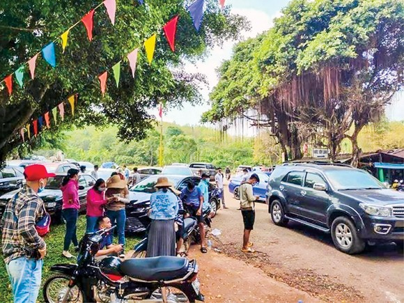 Mới đề xuất xây sân bay, rất nhiều người đổ về huyện Hớn Quản, Bình Phước tìm hiểu thông tin về giá đất.
