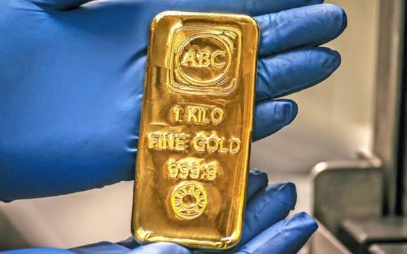 Giá vàng được dự báo có thể tiếp tục lao dốc trong tuần này. (Ảnh minh họa: KT)