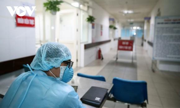 """Chỉ khi đội ngũ y bác sỹ được bảo vệ, nền y tế thực sự """"khỏe"""", công cuộc phòng chống dịch Covid-19 mới thực sự hiệu quả và toàn diện."""