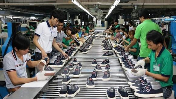 Xuất khẩu dệt may, da giày có nhiều tín hiệu khởi sắc